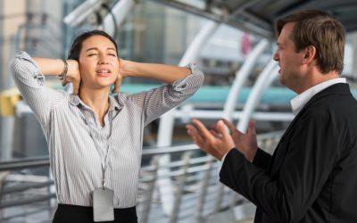 ¿Se puede demandar por abuso verbal en el lugar de trabajo en California?